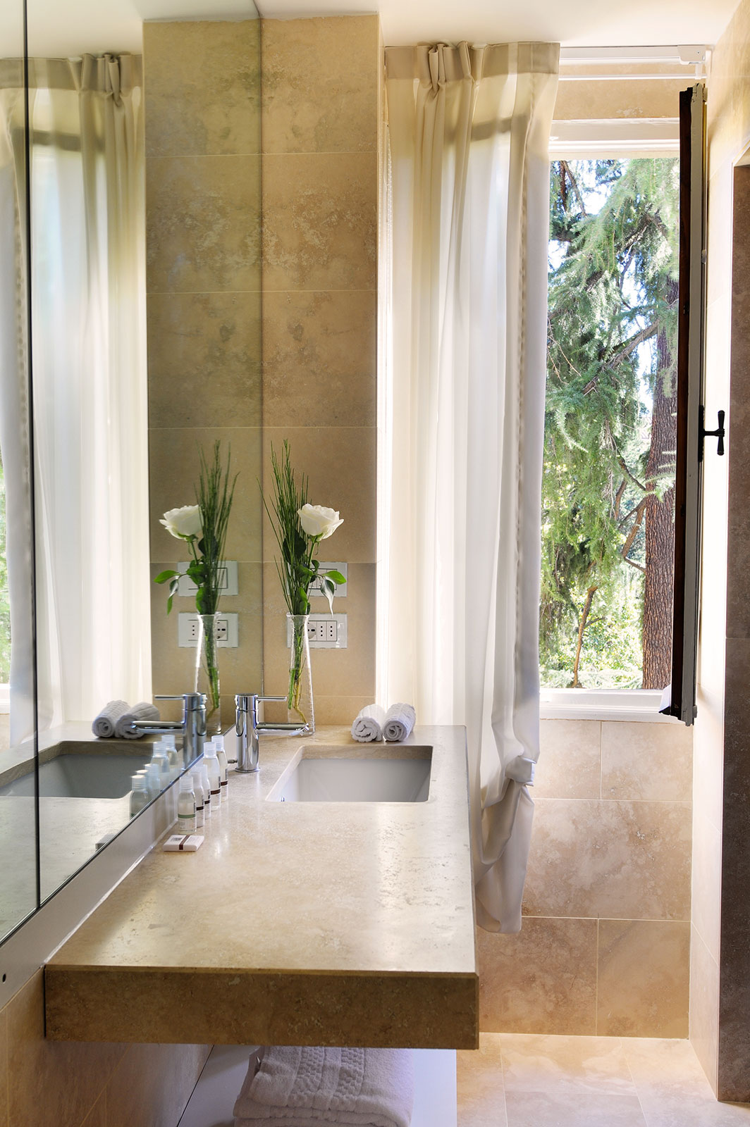 pearl grey room bathroom
