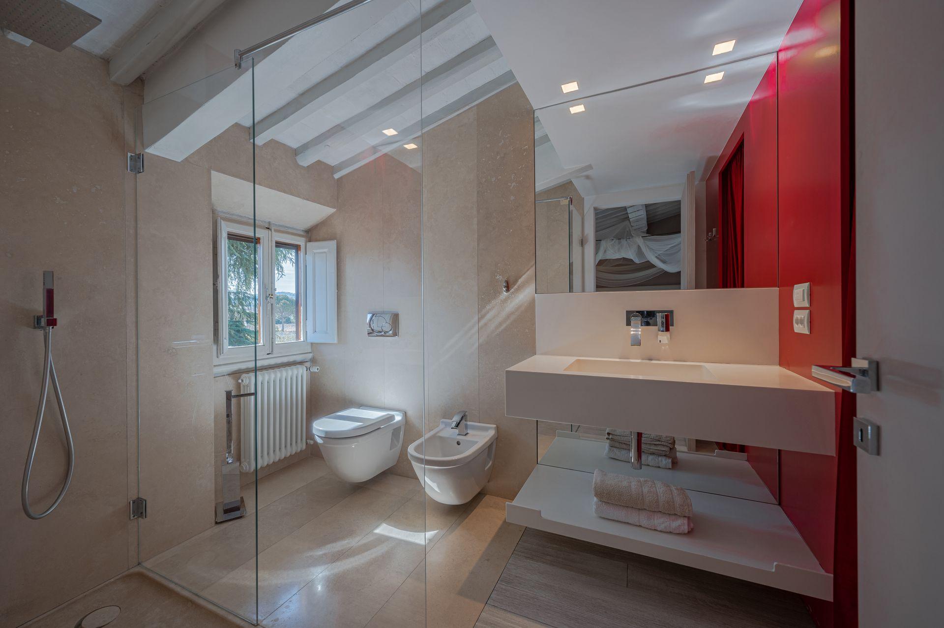 Garden view room bathroom
